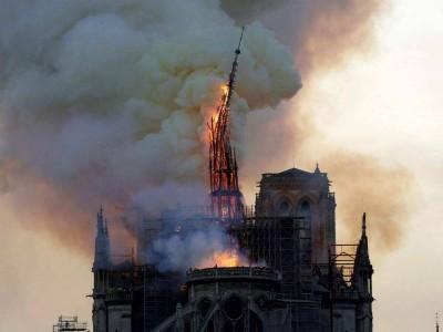 法国巴黎圣母院大火,可能10年后才能去了!