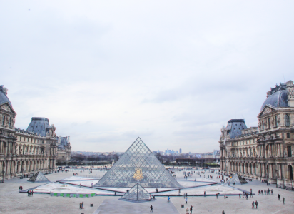 法国签证次数由谁决定?